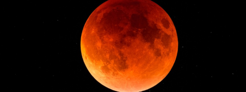 Lunar Eclipse in Cancer: The Rise of Authentic Power